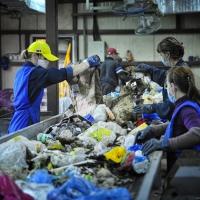 История возникновения промышленных отходов