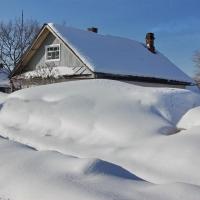 Уборка снега зимой - пустая трата времени или необходимость?